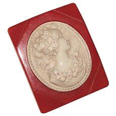 Gorgeous Carved BAKELITE & Celluloid Cameo Design Vintage Brooch - Prystal Red Color