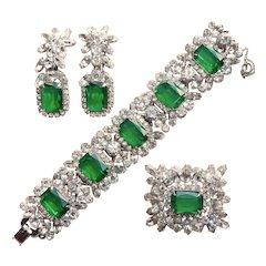 Fabulous D&E JULIANA Simulated Flawed Emerald Glass Rhinestone Set - Bracelet Brooch Earrings