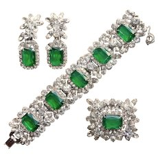 Fabulous D&E JULIANA Simulated Flawed Emerald Glass Rhinestone Set - Bracelet Brooch Earrings