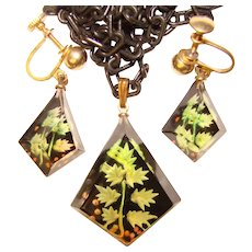 Awesome LUCITE Green Leaf Design Vintage Pendant and Earrings Set - Reverse Carved