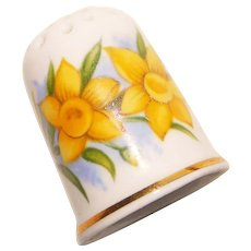 Vintage DAFFODIL Flower Porcelain Estate Thimble