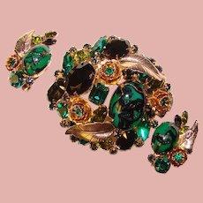 Fabulous Vintage GREEN Rhinestone Brooch Set