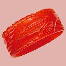 Fabulous CARVED LUCITE Orange Color Vintage Bangle Bracelet - Leaf Design