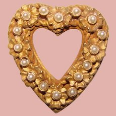 Small CADORO Signed Faux Pearl Heart Design Brooch