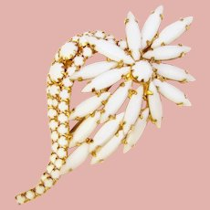 Fabulous MILK GLASS Rhinestones Vintage Brooch