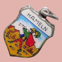 800 Silver & Enamel PIED PIPER OF HAMELIN Hameln Charm - Souvenir of Germany - Travel Shield