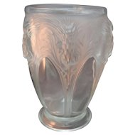 RARE 1930's Verlys Signed Large Thistle & Gothic Cathedral Windows Art Glass Pedestal Vase