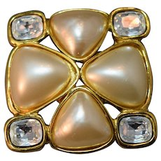 AUTHENTIC Chanel Gripoix Pearl with Rectangular Rhinestones Brooch!