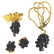 RARE Napier Purple Grapes Glass or Lucite Dangle Bracelet, Earrings & Brooch