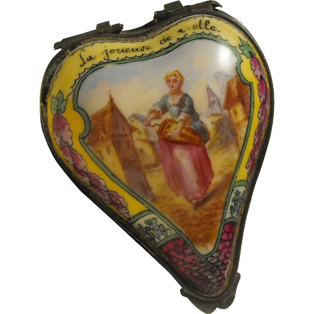 18th Century Heart Shape Sceaux Bonbonniere Enameled Scene