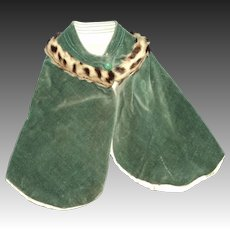 Rich Kelly Green Velvet Trimmed Doll Cape Free P&I US Buyers