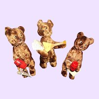Wonderful 3 Wind up Russian Bears