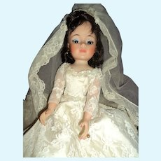 Lovely Madame Alexander Jacqueline Kennedy Bride doll Free P&I US Buyers