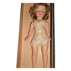 Madame Alexander Cissette doll w/box free p&i US Buyers