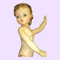 Lovely Vintage Madame Alexander Cissy Doll Free P&I US Buyers