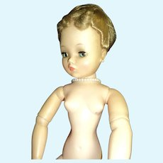 Charming Madame Alexander Cissy doll Free P&I US Buyers