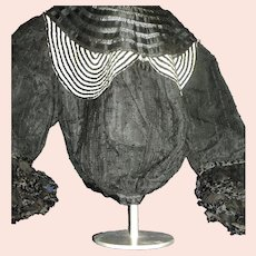 Magnificent Victorian High Fashion stylish blouse Free P&I US Buyers