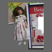 Robert Tonner Betsy McCall Doll & 2 outfits Free P&I US Buyers