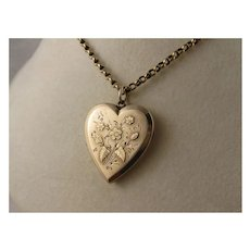 Beautiful Antique Victorian 9K Rose Gold Heart Locket, Applied & Engraved Flowers