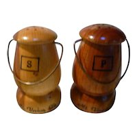Wooden Mt Vernon Souvenir Salt and Pepper Shakers Set