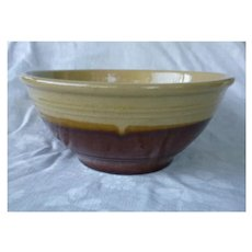 "Yelloware Brown Bottom 9"" Mixing Bowl"