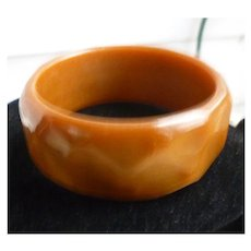 Honey and Caramel Faceted Chunky Lucite Bangle Bracelet