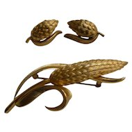 Vintage Crown Trifari Ear of Wheat Brooch and Clip Earrings Set