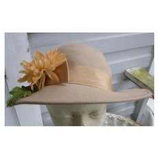 Vintage Tan Wool Hat Yellow Chrysanthemum Grosgrain Band Trim John Wanamaker Label