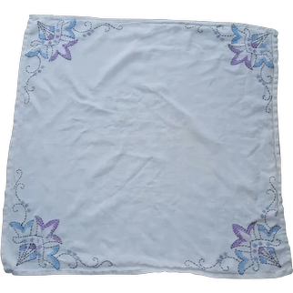 Lovely White Linen Floral Motif Embroidered Tablecloth