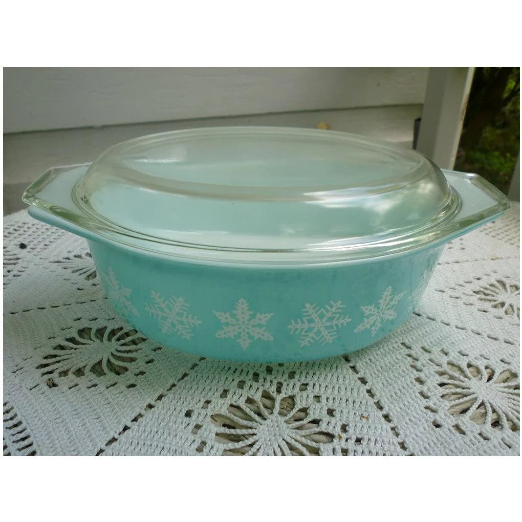 1 12 Quart Casserole No 043 with Lid White on Turquoise Pyrex Snowflake