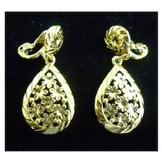 Monet Goldtone Flowers Dangle Earrings