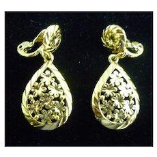 Monet Goldtone Flowers Dangle Earrings
