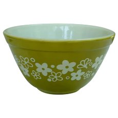 Pyrex Crazy Daisy Pattern Beaded Edge Mixing Bowl 401