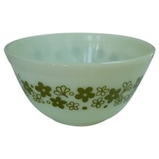 Pyrex Crazy Daisy Pattern Beaded Edge Mixing Bowl 402