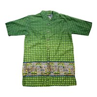 No Boundaries Small & Tall Short Sleeve Aloha Hawaiian Shirt Green with Tiki Border