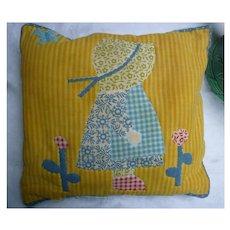 Sweet Sun Bonnet Sue Little Pillow