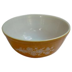 Pyrex Butterfly Gold Beaded Edge Mixing Bowl 403 Redesign 1979