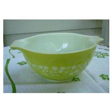 Pyrex Spring Blossom Green Cinderella 750 ml Mixing Bowl 441