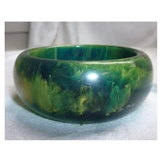 Dramatic  Swirls Green and Yellow Chunky Bakelite Bangle Bracelet