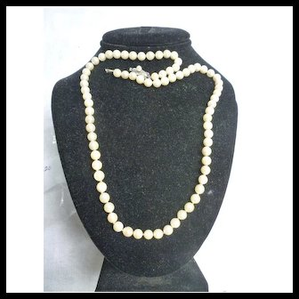 Lovely Uniform Single Strand Cultured Pearl Necklace with Pearl Clasp
