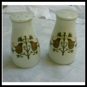 Salt and Pepper Shakers Set Hermitage Pattern 6226 by Noritake