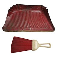Wisk-Off Red and Cream Crumber  Set