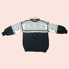 Hand Knit Wool Orkney Scotland Heavy Black and White Pullover Sweater