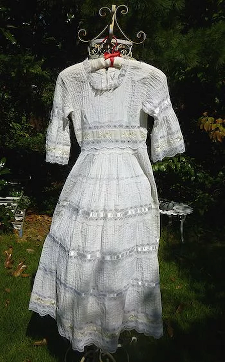 Mexican Wedding Dress.Tiny Tucks Ribbons And Lace Mexican Wedding Dress Vintage 1960 S