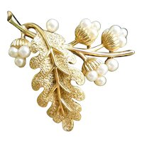 Oak Leaf and Acorns Goldtone and Faux Pearls Crown Trifari Brooch