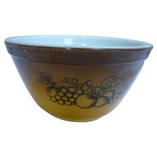 Pyrex Old Orchard Beaded Edge Nested Mixing Bowl 401