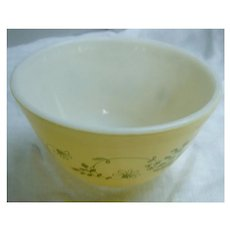 Pyrex Shenandoah 1.5 pint Beaded Edge Mixing Bowl