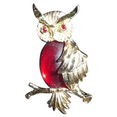 Bright Red Jelly Belly Type Owl Goldtone Brooch