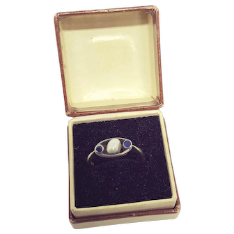 Vintage 9kt White Gold Split Natural Pearl Blue Stone Ring
