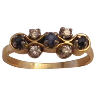 Attractive 14K Sapphire and Diamond Ring